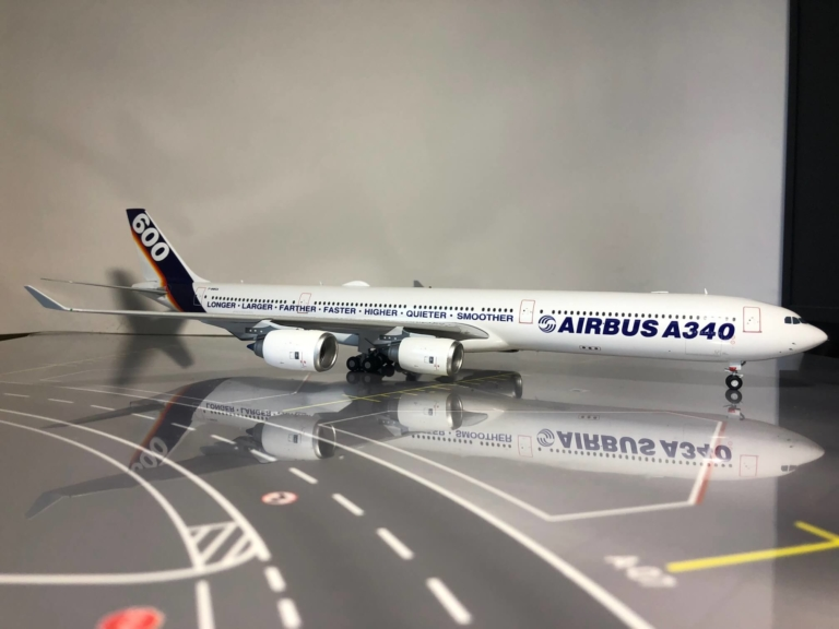 """Airbus A340-600 """" House Color """" XX2091 1:200"""