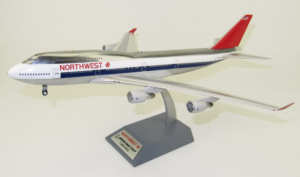 Boeing 747-400 Northwest Airlines Inflight200 model w skali 1:200