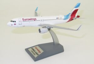 Airbus A320-214 Eurowings JF-A320-020 model w skali 1:200