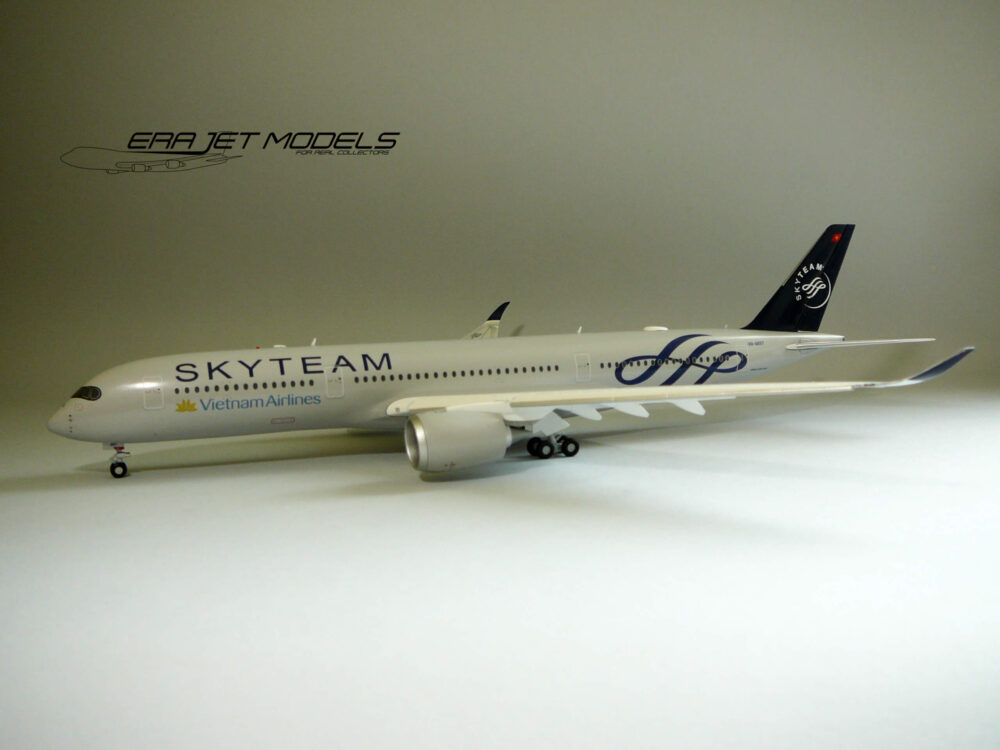 Airbus A350-900 Vietnam Airlines SkyTeam Livery VN-A897 Flaps Down JC Wings model samolotu w skali 1:200