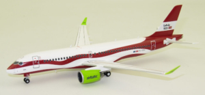 "Airbus A220-300 Air Baltic ""Latvia 100"" YL-CSL model samolotu w skali 1:200"