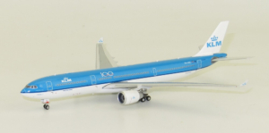 "Airbus A330-300 KLM Royal Dutch Airlines ""100 years"" PH-AKE model samolotu w skali 1:400"