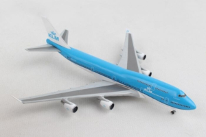 "Boeing B747-400 KLM ""City of Nairobi"" PH-BFN w skali 1:500 Herpa 529921-001"