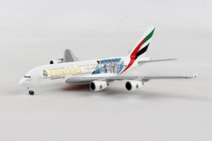 Airbus A380-800 Emirates Real Madrid 2018 w skali 1:500 Herpa 531931