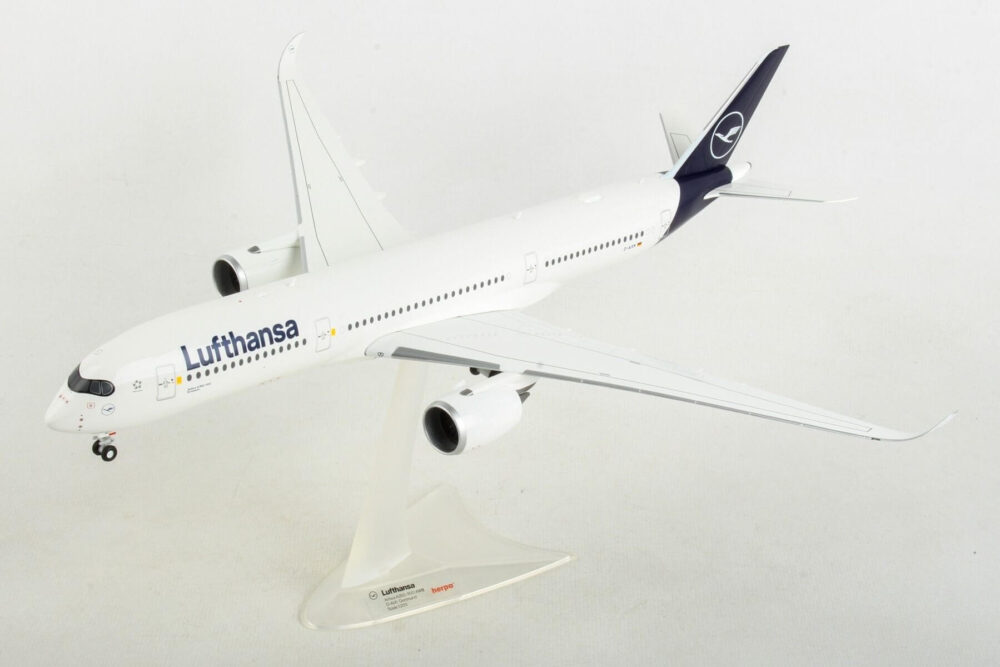 Airbus A350-900 Lufthansa New Livery D-AIXM Herpa 559577