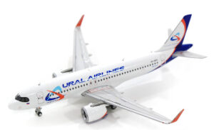 Airbus A320neo Ural Airlines model 1:400 GJSVR1910