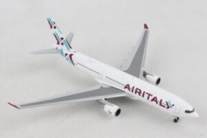 Airbus A330-200 Air Italy w skali 1:500 Herpa 532624