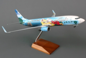 "Boeing 737-800 Alaska ""Spirit Of The Islands"" SKR8243 w skali 1:100"