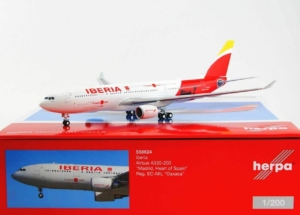 "Airbus A330- 200 Madrid ""Heart Of Spain"" EC-MIL w skali 1:200 Herpa 558624"