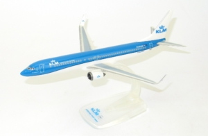 Boeing 737-900 KLM Royal Dutch w skali 1:200