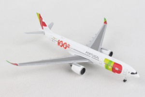 Airbus A330-900neo TAP Portugal w skali 1:500 Herpa 533843